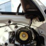 BMWX5にデッドニング&フォーカルのスピーカー交換をさせていただきました。