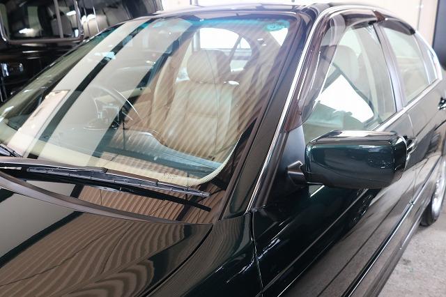 BMW 320iにドライブレコーダーを取り付け フロントガラスの画像