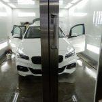 車内の気温上昇を大幅に軽減!全てのガラスを断熱フィルムで施工してみてはいかがですか?