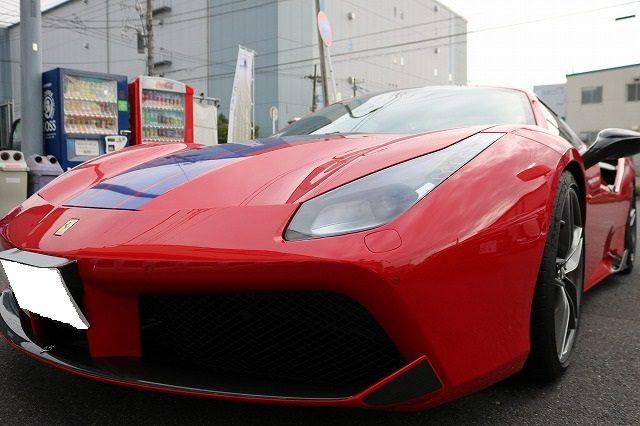 東京都品川区のフェラーリのボンネットにプロテクションフィルムを施工させて頂きました。