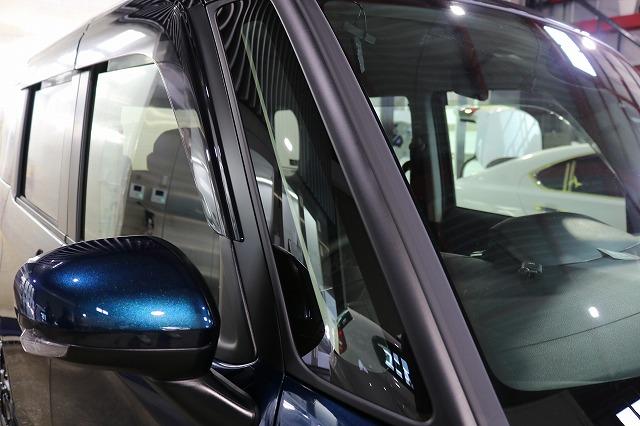 トヨタタンクにLFTフィルムとプロテクションフィルムを施工 フロントガラスの画像