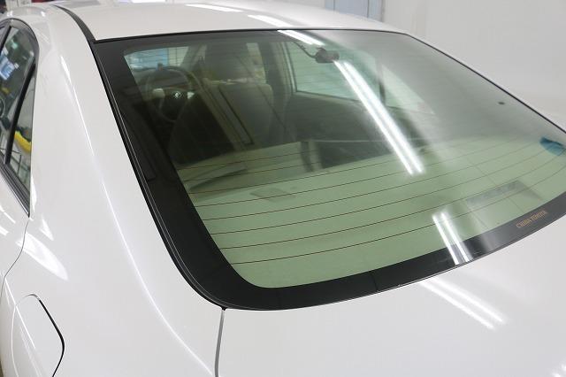 トヨタ・アリオンにLFT断熱フィルム施工前 リアガラスの画像