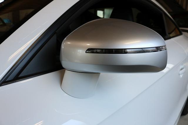 アウディTT RSのサイドミラーにカーボンラッピングを施工前の画像