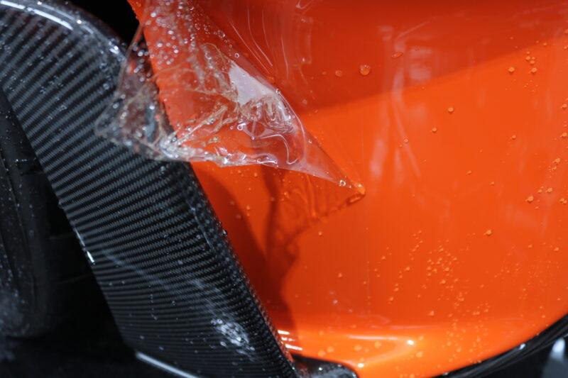 マクラーレン600LTにPPF施工前の下地処理作業をしております。 東京都 千葉県 プロテクションフィルム 洗車 カーボン
