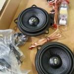 千葉県よりご来店頂きましたBMWにブラムのスピーカー交換&デット二ング作業を行いました。