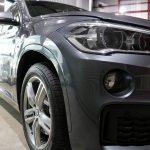 東京都からお越しの新車BMWX1に最強被膜硬度9Hのカーコーティング『セラミックプロ9H』を1層コート施工させていただきました。