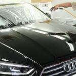 東京都板橋区からお越しの新車アウディA5に親水性のカーコーティング『クォーツガラスコート』を施工させていただきました。