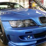 BMWZ3が千葉県成田市よりご入庫され、抜群の艶と水弾きを実現するガラスコーティング施工させて頂きました!
