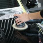 スクラッチ傷や洗車傷を復元する研磨作業