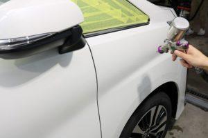 新車トヨタヴェルファイアにガラスコーティングを施行