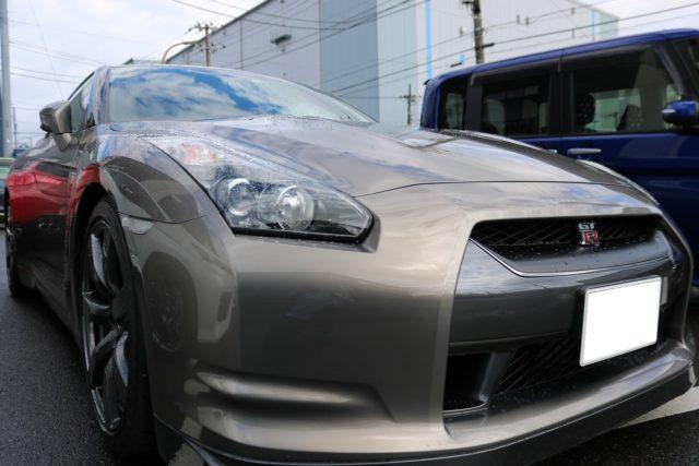 千葉県浦安市からお越しの日産GTRに滑水性の『エシュロンナノフィル』ガラスコートを施工!