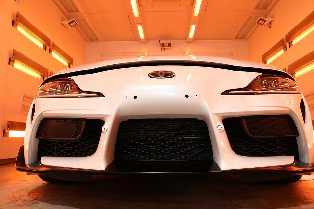 トヨタGRスープラに新しい時代のカーコーティング・ヒールライトを施工