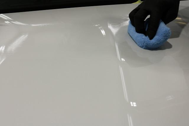新車メルセデスベンツAMG A45Sにガラスコーティング施工 ファインラボ塗布画像