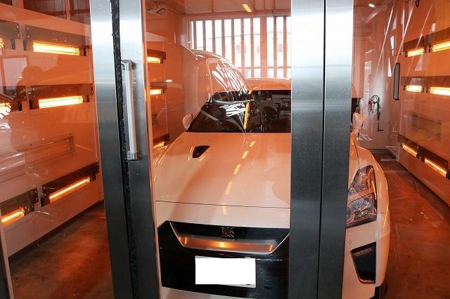 新車 日産GTRに高機能カーコーティングの施工!遠赤外線でしっかり乾燥 東京都よりご来店です。