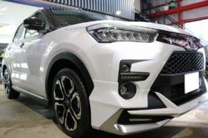 トヨタ新型SUVライズに親水性のセラミックコーティングを施工 正面画像