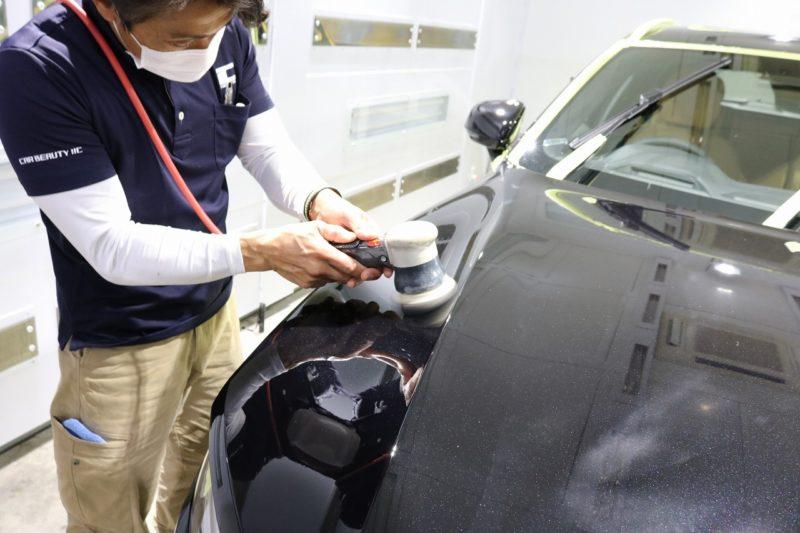 新車ボルボV60クロスカントリーにカーコーティングを施工 研磨画像
