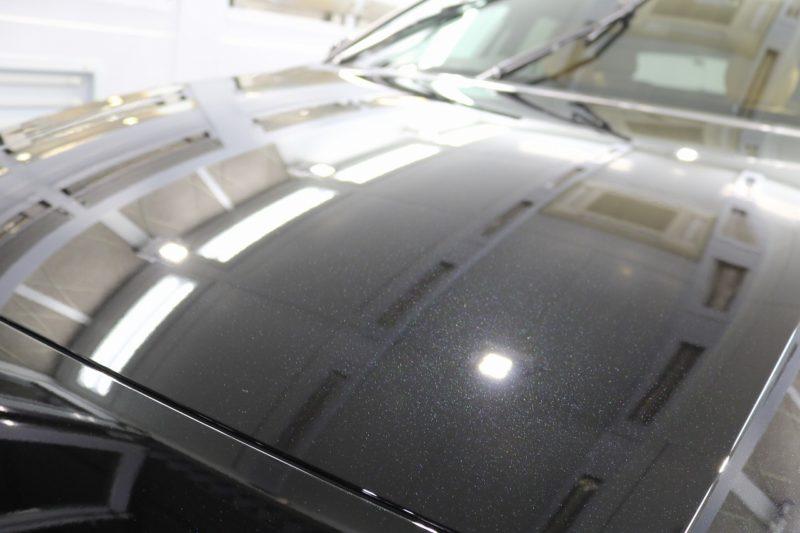 新車ボルボV60クロスカントリーにカーコーティングを施工 ボンネット画像