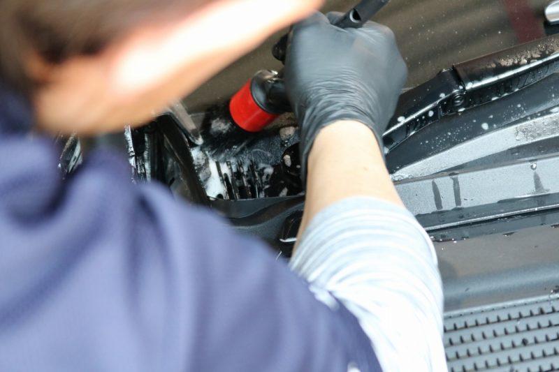 新型メルセデスベンツGLE400dにカーコーティングを施工 洗浄の画像