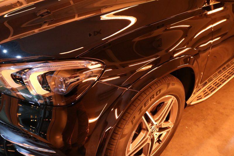 新型メルセデスベンツGLE400dにカーコーティングを施工 ヘッドライト画像