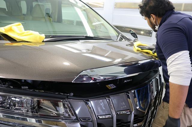 トヨタ・アルファードにセラミックプロ9H施工 ガラスコーティング拭き取りの画像