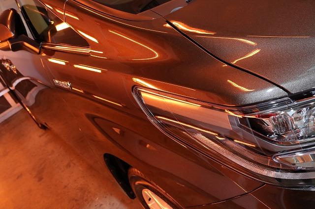トヨタ・アルファードにセラミックプロ9H施工 コーティング遠赤外線の画像