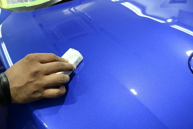 スバルWRX STIにカーコーティング施工 ガラスコーティング塗布の画像