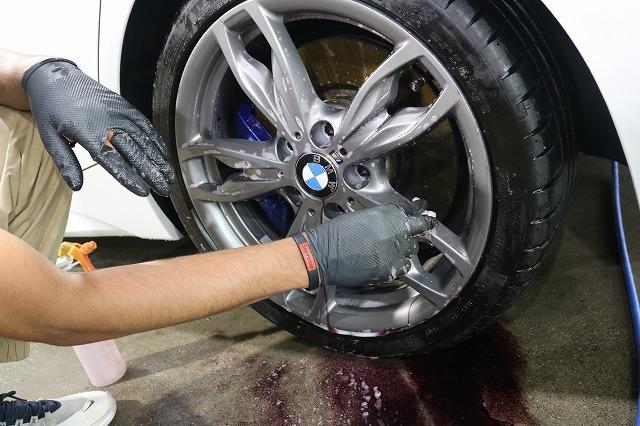 BMW M140iにバリアタフホイールコート施工 鉄粉除去の画像
