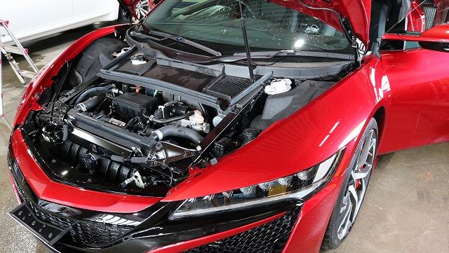 ホンダ・NSXにエシュロンガラスコーティング施工 エンジンルームの画像