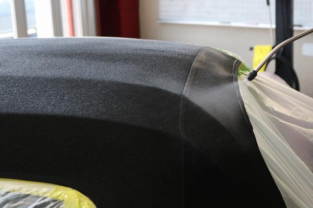 フィアット アバルト124スパイダーに幌コーティング施工 吹付の画像