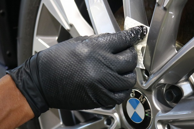 BMW 218dにパーツコーティング施工 ホイールコート塗布の画像