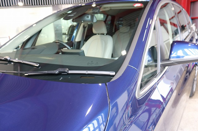 BMW 218dにパーツコーティング施工 ウィンドウコート施工後の画像