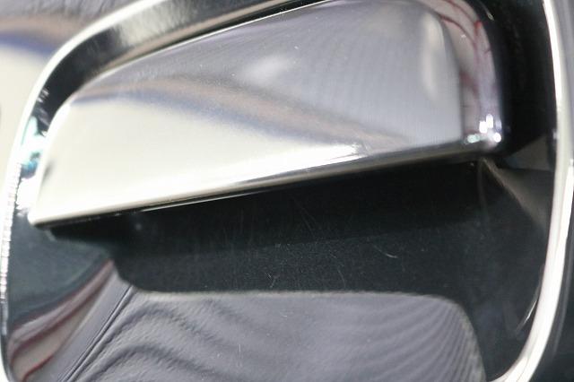 スズキのジムニーシエラに親水性コーティング「セラミックシールド」を施工 ドアノブの画像