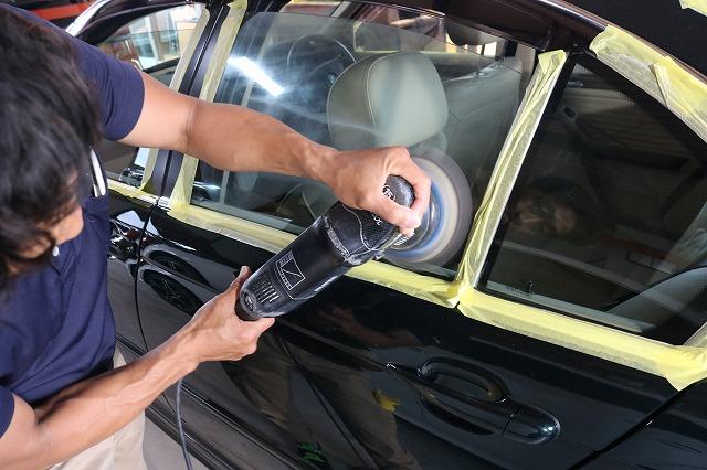 BMW 320iにウィンドウコートを施工 研磨画像
