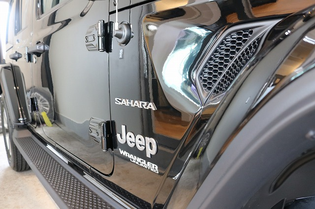 ジープラングラーサハラにカーコーティング施工 クォーツ施工後の画像