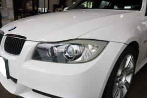 BMW 320iにヘッドライトコーティング施工