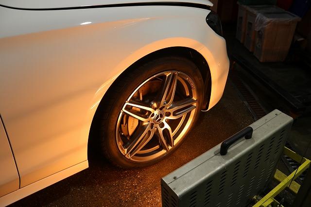 新車メルセデスベンツE220dにホイールコーティングを施工 焼付画像