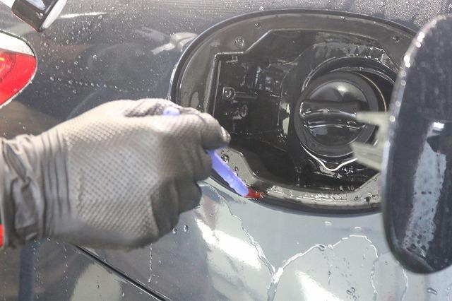 メルセデスベンツS63にカーコーティングを施工 細部洗浄の画像