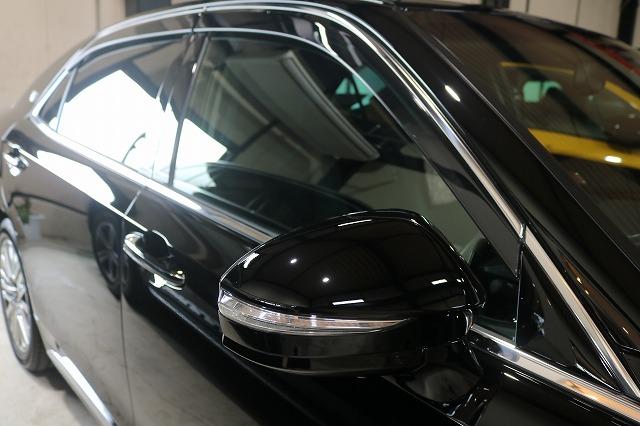 トヨタのクラウンマジェスタにカーコーティングを施工後 サイド画像