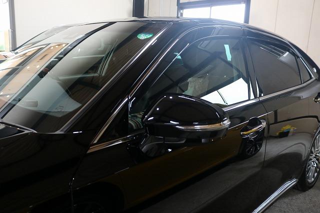 トヨタのクラウンマジェスタにカーコーティングを施工後 ウィンドウコートの画像