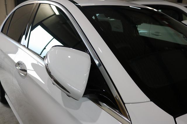 新車メルセデスベンツE220dにカーコーティングを施工後 サイド画像