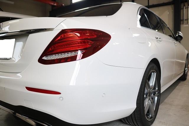 新車メルセデスベンツE220dにカーコーティングを施工後 リア画像