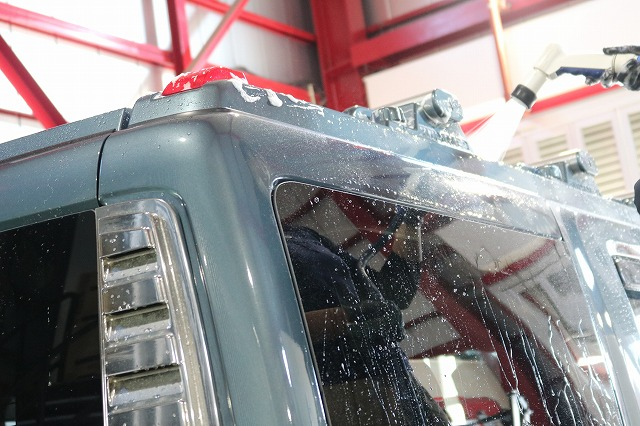 ハマーH2にセラミックプロ9Hを施工 細部洗浄画像