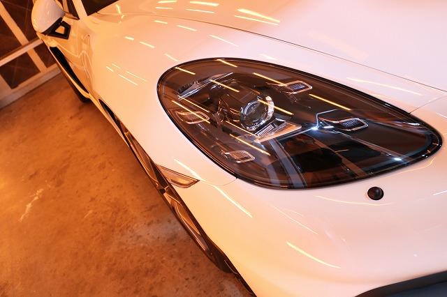 新車ポルシェ718ケイマンGT4にファインラボヒールプラス施工 ヘッドライト焼付画像
