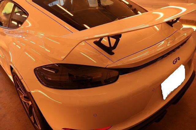 新車ポルシェ718ケイマンGT4にファインラボヒールプラス施工 リア画像