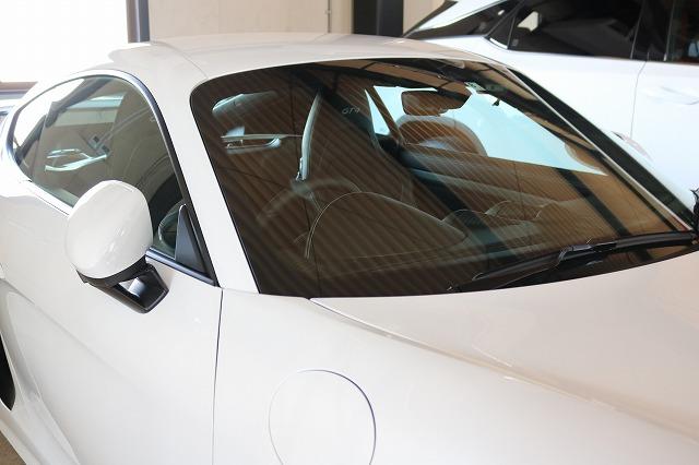 新車ポルシェ718ケイマンGT4にウィンドウコート施工 フロントガラス画像