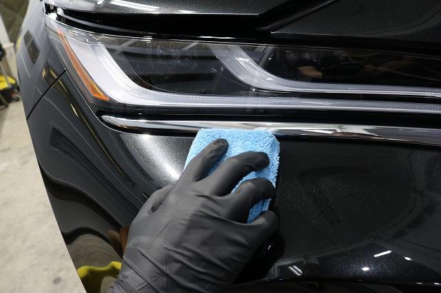 トヨタハリアーにカーコーティング施工 コーティング塗布画像