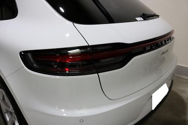 新車ポルシェマカンにセラミックコーティング施工後 リア画像