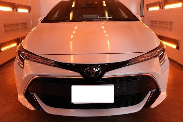 トヨタカローラスポーツカーコーティング 遠赤外線ブース正面画像