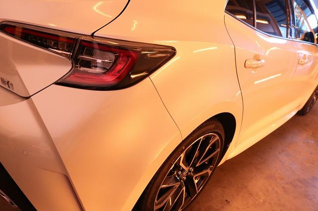 トヨタカローラスポーツカーコーティング 遠赤外線ブースリアサイド画像