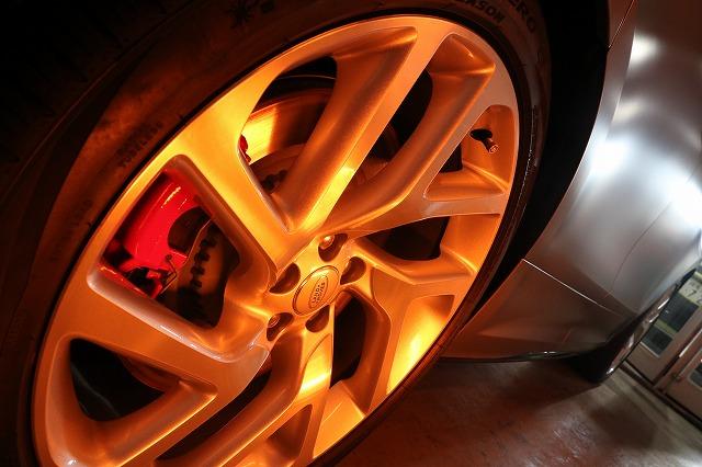 レンジローバーヴェラールにカーコーティング施工 ホイール焼付画像